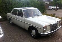 Mercedes 200 W115